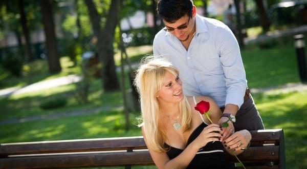 Jeune Couple amour Romance
