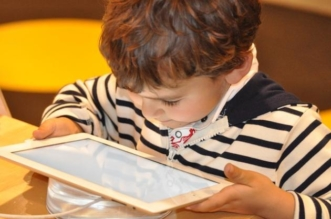 Enfant Tablette Technologie Ordinateur